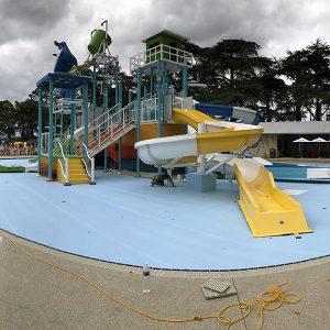 Piscina per parco giochi acquatico
